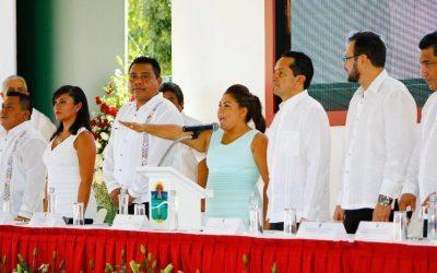 Asiste el Gobernador Carlos Joaquín a la Toma de Protesta de Romualda Dzul Caamal, presidenta Municipal de Tulum