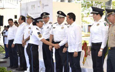 ((VIDEO)) El Gobernador Carlos Joaquín asiste al cambio de mando de la Policía Federal en Chetumal