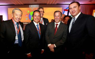 ((FOTOS)) Carlos Joaquin participa en la Cumbre de Negocios Business Summit en Puebla