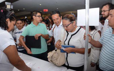 Más empleos y mejor pagados para tener mejores oportunidades: Carlos Joaquín