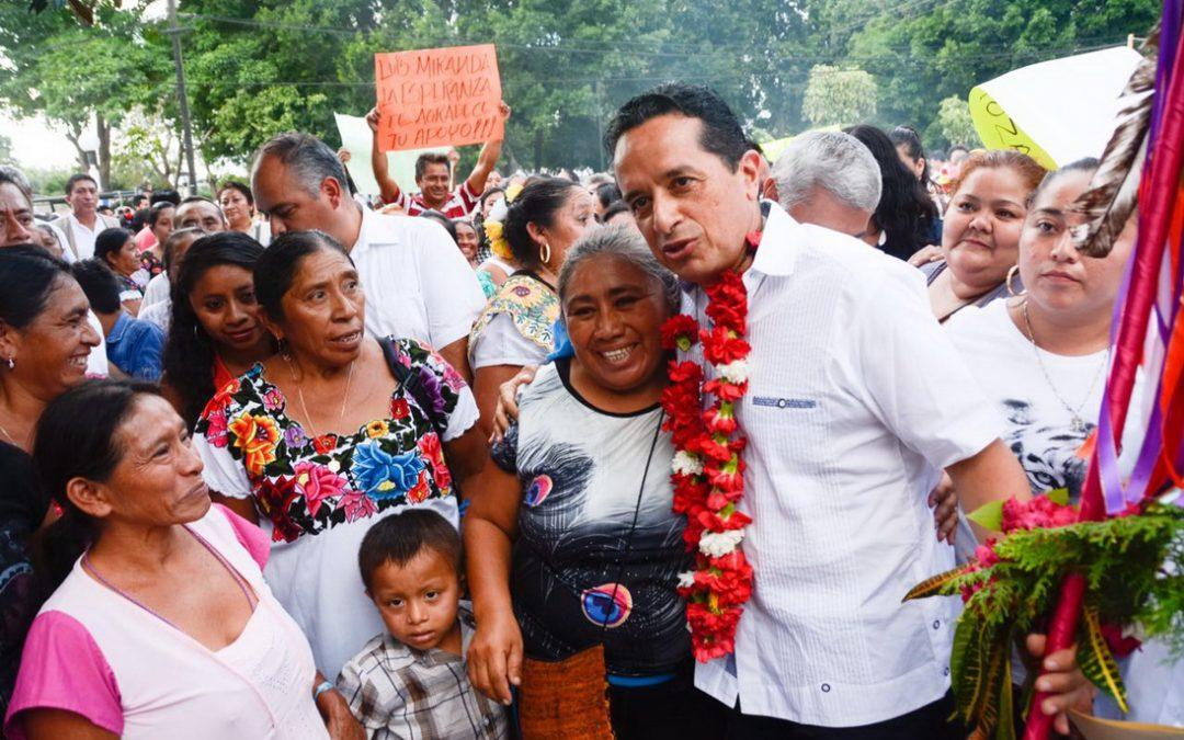 ((VIDEO)) Gira de Trabajo del Gobernador Carlos Joaquín con el Secretario de Desarrollo Social, Luis Enrique Miranda Nava. Municipio de Lázaro Cárdenas.