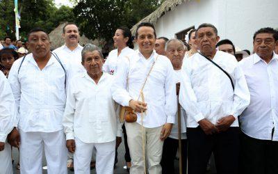 ((FOTOS)) Carlos Joaquín recibe la investidura de Nojoch Jalach  Wiinik Maya (Máximo Gobernante Maya)