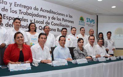 ((FOTOS)) Toma de Protesta y entrega de acreditaciones a los representantes obrero y patronal ante las juntas de Conciliación y Arbitraje