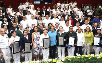 ((AUDIO)) Mensaje del Gobernador Carlos Joaquín en la entrega de Premios al Mérito a la Enfermería.