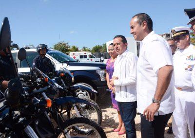 carlos-joaquin-equipamiento-policiaco-en-isla-mujeres-08