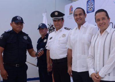 carlos-joaquin-equipamiento-policiaco-en-isla-mujeres-10