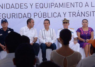 carlos-joaquin-equipamiento-policiaco-en-isla-mujeres-12