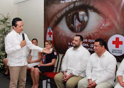 carlo-joaquin-donacion-cruz-roja2