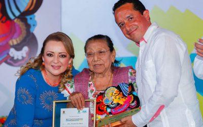 Más oportunidades y espacios a las mujeres para disminuir las desigualdades: Carlos Joaquín
