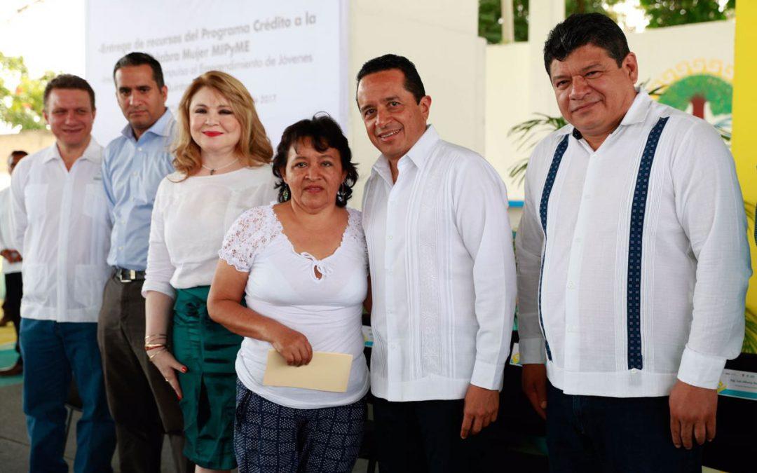 ((FOTOS)) El Gobernador Carlos Joaquín encabeza entrega de recursos del Programa Crédito a la Palabra Mujer MIPyME