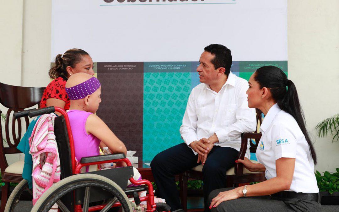 Escucha el Gobernador Carlos Joaquín de primera mano a personas en Platícale al Gobernador