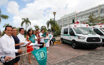 ((FOTOS)) El Gobernador Carlos Joaquín acompaña al Director del Instituto Mexicano del Seguro Social en recorrido y entrega de ambulancias en el Hospital Regional Número 17 del IMSS