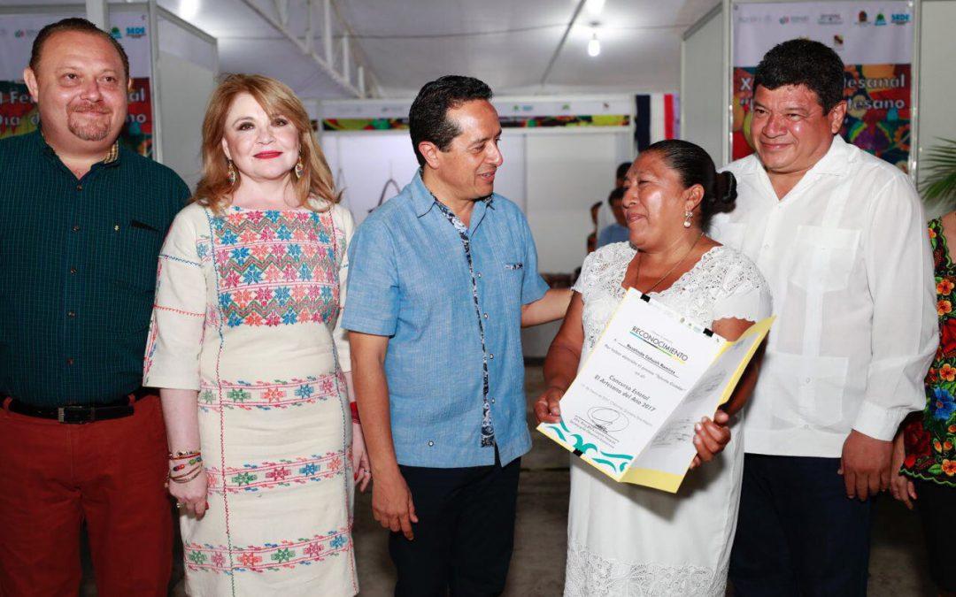 Los artesanos cuentan con el respaldo de mi gobierno para brindarles más y mejores oportunidades: Carlos Joaquín