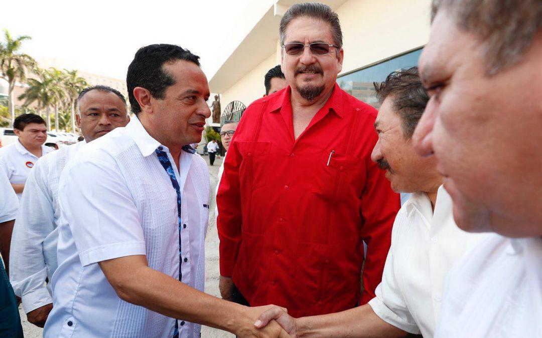 ((FOTOS)) El Gobernador Carlos Joaquín en el desayuno de la CTM en Cancún