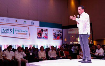 ((FOTOS)) El Gobernador Carlos Joaquín en la ceremonia de autorización de validez oficial para entregar constancia de primer año de preescolar en las Guarderías del IMSS en Quintana Roo