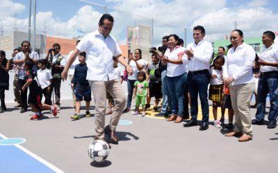 ((FOTOS)) El Gobernador Carlos Joaquín durante la inauguración de los parques Codorniz, Fragata y Halcón en el Fraccionamiento Villas del Sol de Playa del Carmen
