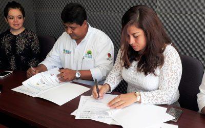 Firman convenio de colaboración el IEEA y la Unisur, para enseñar a los que quieren aprender