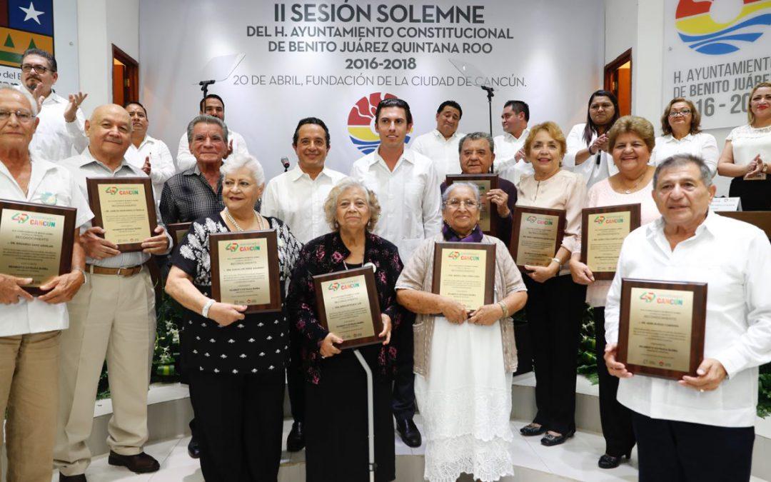 No descuidemos nuestro paraíso, no abandonemos nuestra fuente de ingresos, Cancún: Carlos Joaquín