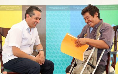 ((FOTOS)) Platican con Carlos Joaquín bacalarenses en tercera audiencia pública