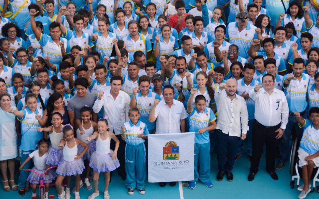 ((FOTOS)) Carlos Joaquín abandera a la delegación de Quintana Roo para la Olimpiada Nacional y Paralimpiada 2017