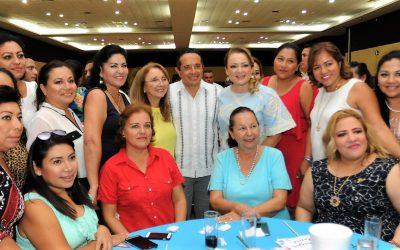 ((FOTOS)) El Gobernador Carlos Joaquín convive con madres trabajadoras del Gobierno con motivo de la celebración del Día de las Madres en Chetumal