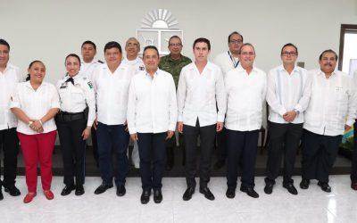 ((FOTOS)) El Gobernador firmara Convenio de Adhesión en Materia de Seguridad Pública entre el Gobierno del Estado de Quintana Roo y los Ayuntamientos de Benito Juárez, Othón P. Blanco y Solidaridad