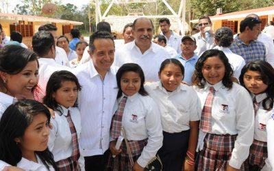 Mi prioridad es la educación de todos los niños y jóvenes: Carlos Joaquín