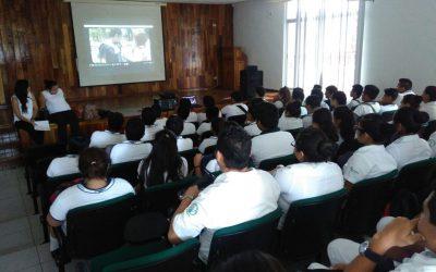 Informa DIF Quintana Roo a jóvenes sobre el bullying y la violencia en el noviazgo