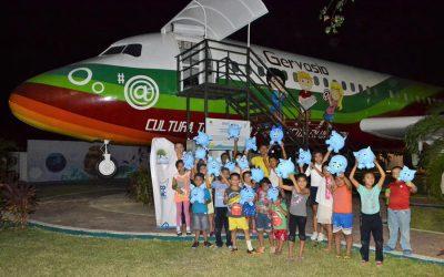 La FPMC festeja tercer aniversario del Biblioavión Gervasio
