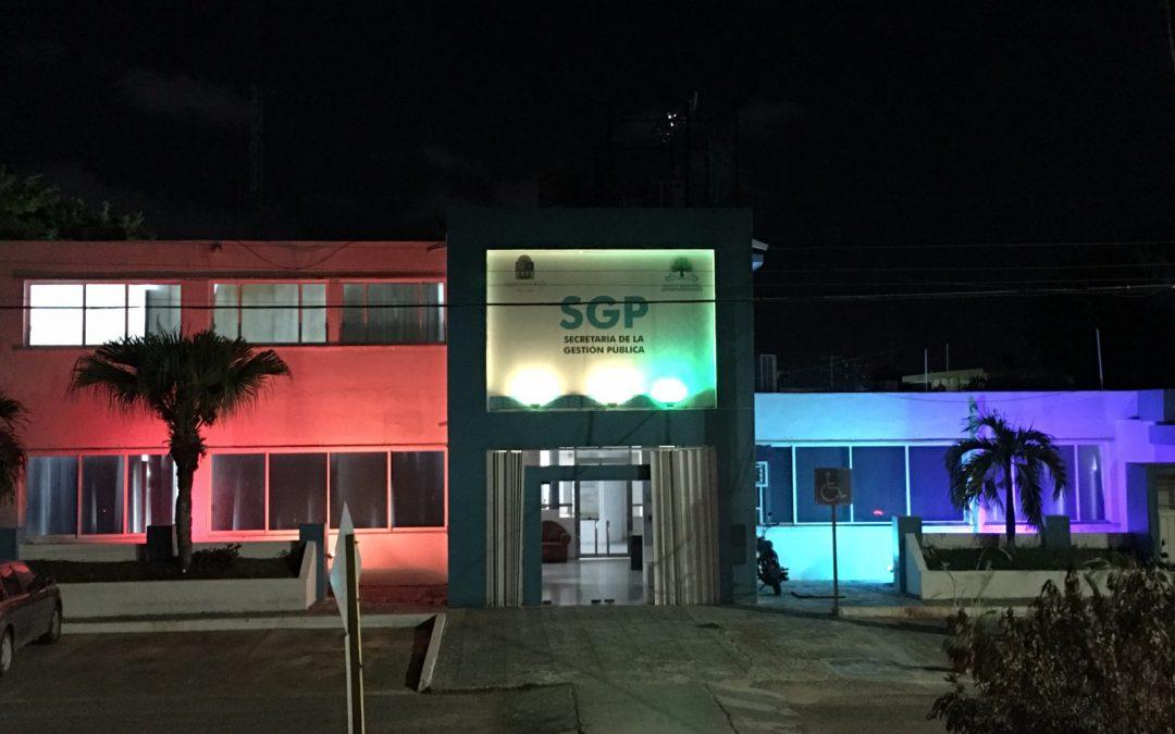 """Se ilumina también inmueble de la Secretaría de la Gestión Pública con motivo del """"Día Internacional contra la Homofobia"""""""