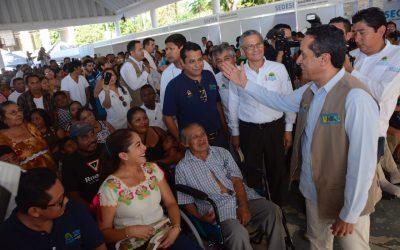 Trabajamos con la gente, donde están los problemas y en donde nos necesitan: Carlos Joaquín