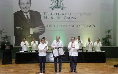((FOTOS)) El Gobernador Carlos Joaquín asiste a la ceremonia de entrega del doctorado Honoris Causa al escritor y periodista Héctor Aguilar Camín