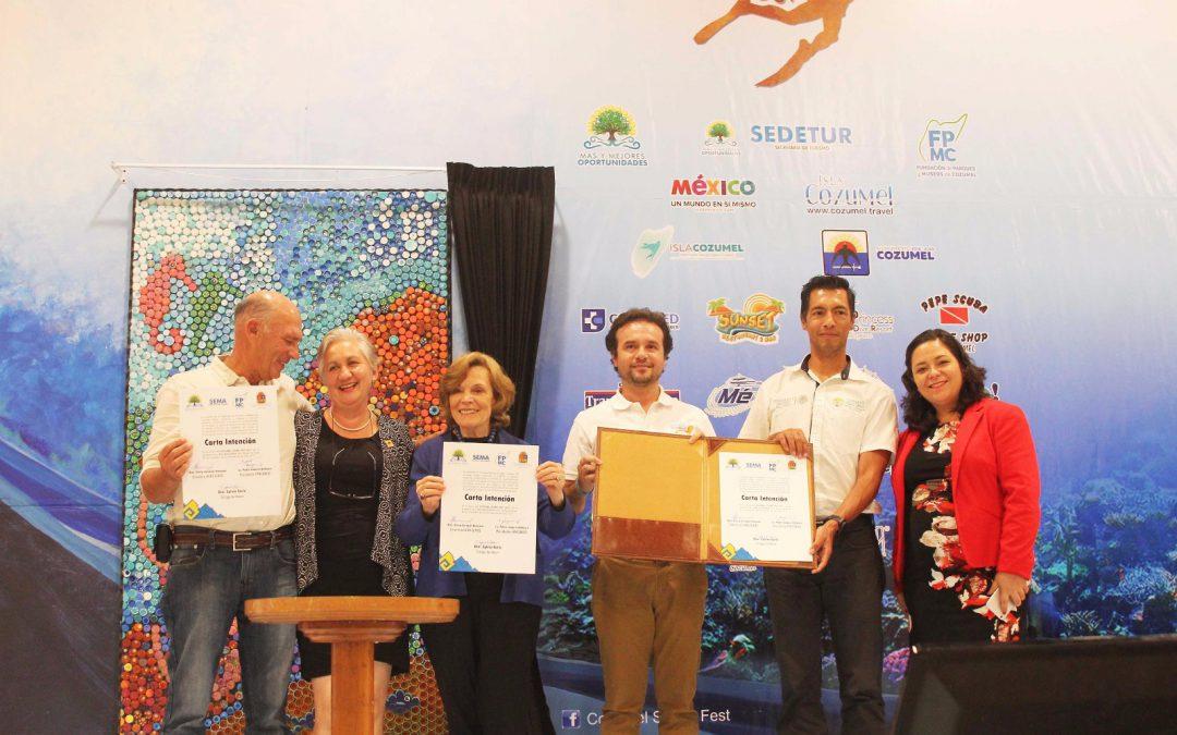 La Fundación de Parques y Museos de Cozumel se compromete a sembrar corales en el arrecife mesoamericano