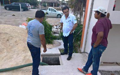 CAPA activó operativo en Mahahual para atender incidencias en el sistema de drenaje sanitario de la comunidad.