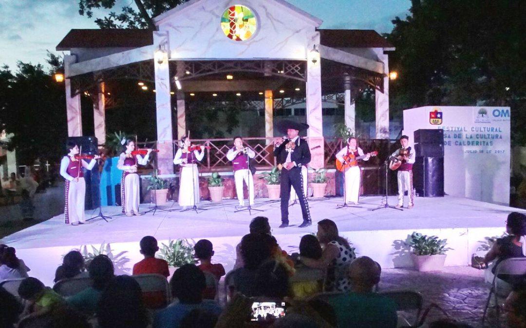 Alegre festival artístico realizó el domingo la Oficialía Mayor en la Explanada de La Bandera