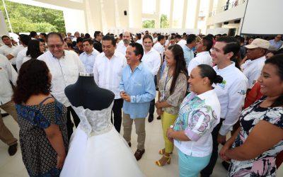 """((FOTOS)) El Gobernador Carlos Joaquín en la celebración de los 25 años de la Secretaría de Desarrollo Social; """"25 años de Trabajo a Favor de la Inclusión y los Derechos Sociales"""". Cancún."""