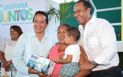((FOTOS)) El gobierno del cambio está y estará siempre cerca de la gente: Carlos Joaquín