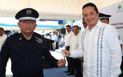 ((VIDEO)) Mensaje del Gobernador Carlos Joaquín en la entrega de reconocimientos y autobús de transporte e inauguración de área de psicología policial en la SSP.