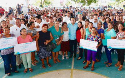 ((FOTOS)) Con créditos a la palabra a mujeres, disminuimos la desigualdad e impulsamos el desarrollo social: Carlos Joaquín