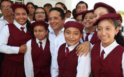 ((VIDEO)) Mensaje del Gobernador Carlos Joaquín al presidir  la Ceremonia de inicio del Ciclo Escolar 2017-2018 e Inaugura Infraestructura Educativa. CANCÚN.