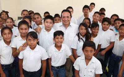 Con trabajo honesto y transparente damos más y mejores oportunidades a la niñez quintanarroense: Carlos Joaquín