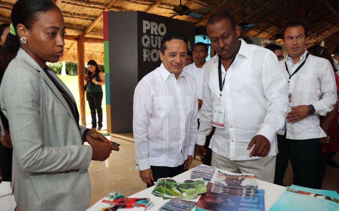 ((FOTOS)) Quintana Roo vive un cambio con sentido de inclusión social y cercanía con la gente: Carlos Joaquín