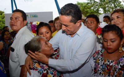 """Con el """"Programa 300 Localidades"""" se trabaja para disminuir la desigualdad en el estado: Carlos Joaquín"""
