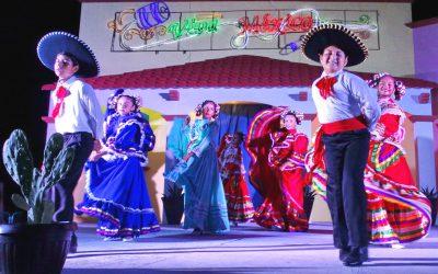 Se presentó un festival mexicano el domingo en la Explanada de la Bandera