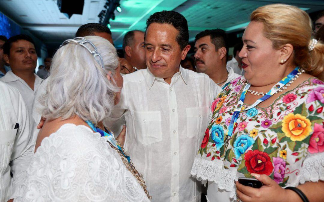 ((FOTOS)) El Gobernador Carlos Joaquín en el Centro Internacional de Negocios y Convenciones