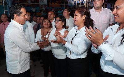 ((FOTOS)) El Gobernador Carlos Joaquín, en Poliforum Benito Juárez, con motivo del Primer Informe de Gobierno