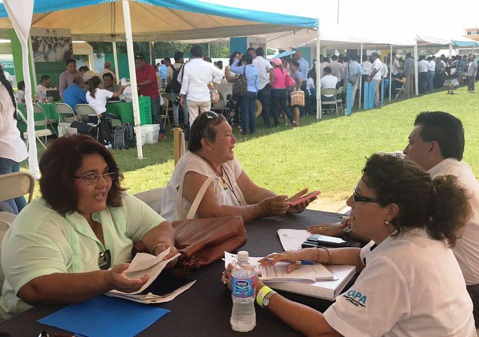 """CAPA escucha y atiende a los ciudadanos de Puerto Morelos en la audiencia pública """"Platícale al gobernador"""""""