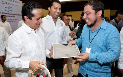El gobernador Carlos Joaquín inaugura el Primer Foro de Industria y Comercio Exterior, que promueve la diversificación económica