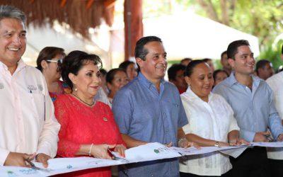 Hay que llevar los empleos al centro y sur del estado: Carlos Joaquín