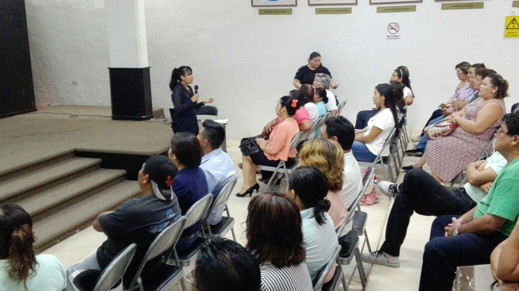 Capacita IQM a funcionarios públicos de Cozumel en materia de género
